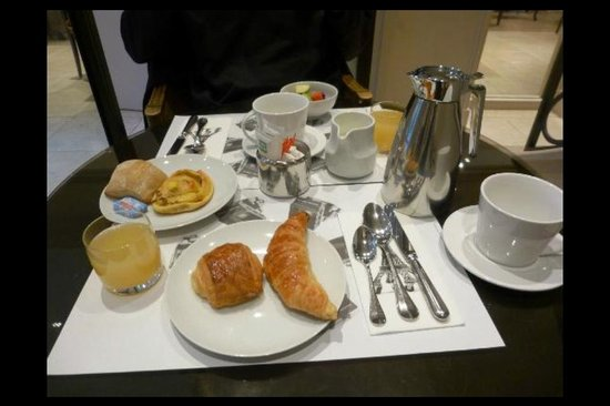 Hotel Saint Germain : Breakfast