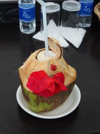 Next Paradise Boutique Resort : Coco de bienvenue