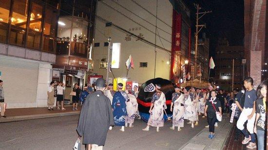 Nagasaki Washington Hotel: お祭りの日(ホテル前)