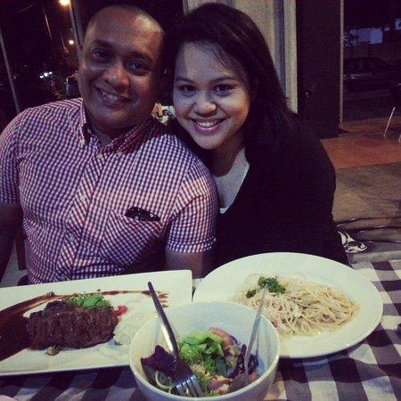 Bulan Kafe & Bistro : From Singapore with ♥!