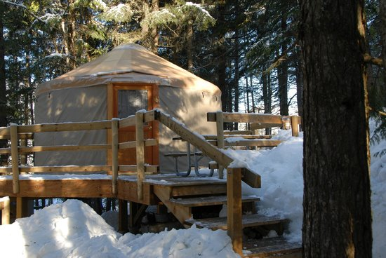 Riverside resort whistler updated 2018 campground for Cabine in whistler