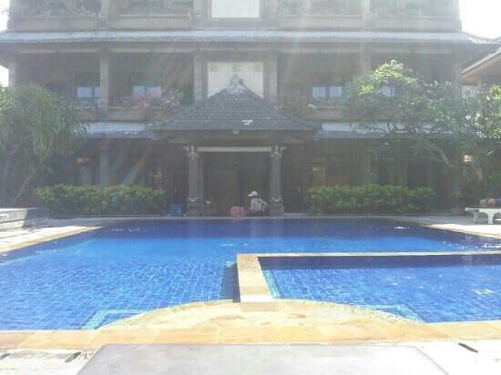 Tunjung Bali Inn: relax !!