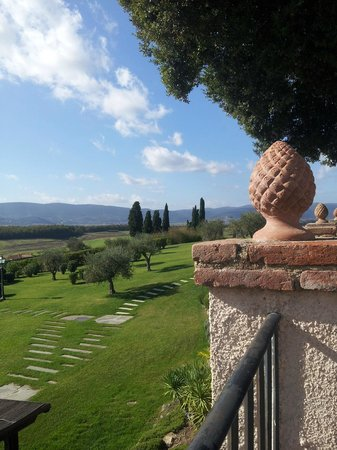 La Bagnaia Golf & Spa Resort Siena, Curio Collection by Hilton: View from the Gardens (October)
