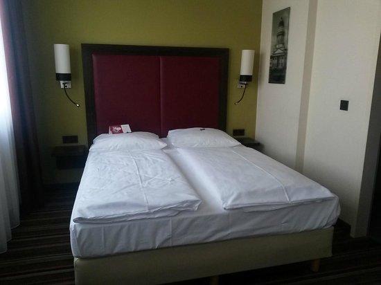 Leonardo Hotel Berlin: room
