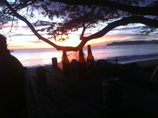 Gigante Bay : Sunset beers