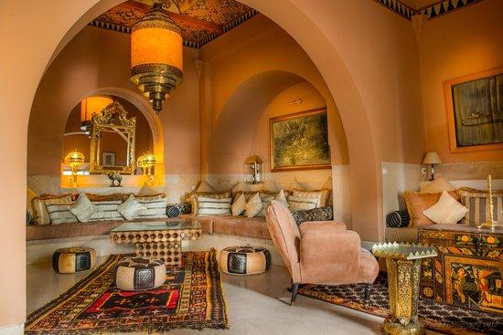 Riad Camilia: Livingroom