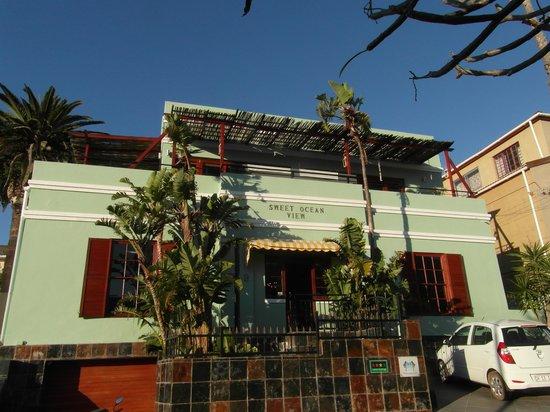 Sweet Ocean View Guesthouse: Het hoofdgebouw