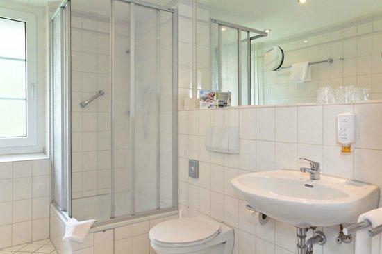 SEETELHOTEL Familienhotel Waldhof: Badezimmer
