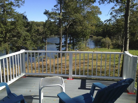 Oak Gables Bed & Breakfast: How about drinks on this back porch?!