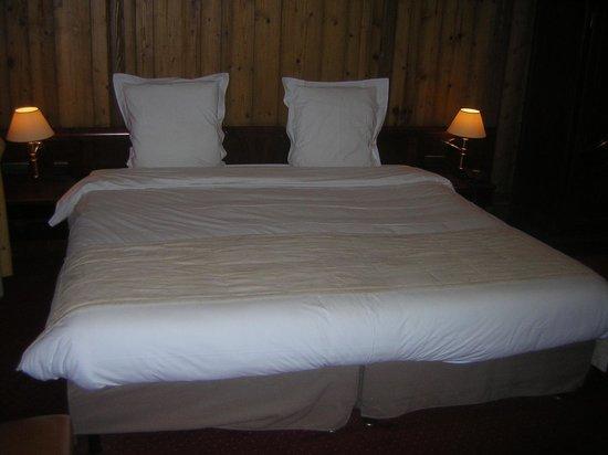 BEST WESTERN Hotel De L'Europe by HappyCulture : le lit