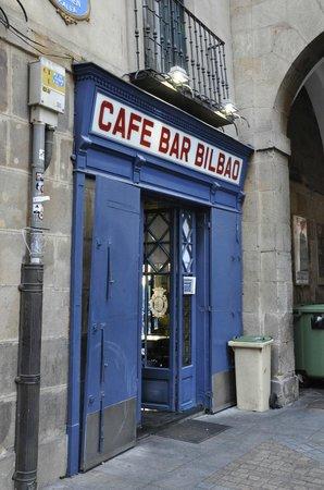 Cafe Bar Bilbao: Location