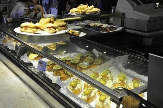 Cafe Bar Bilbao: Bar Food