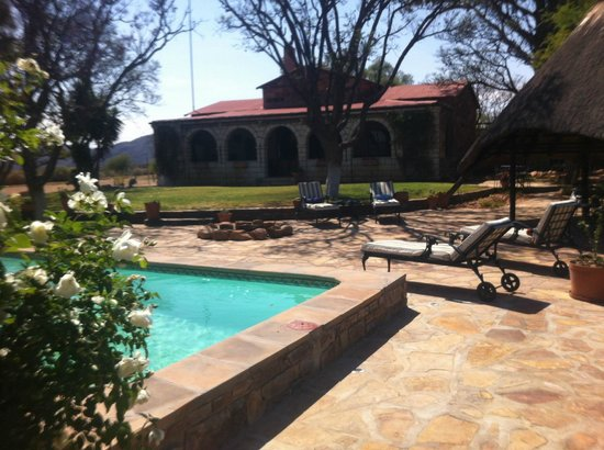 Guesthouse Voigtland : Garten mit Pool