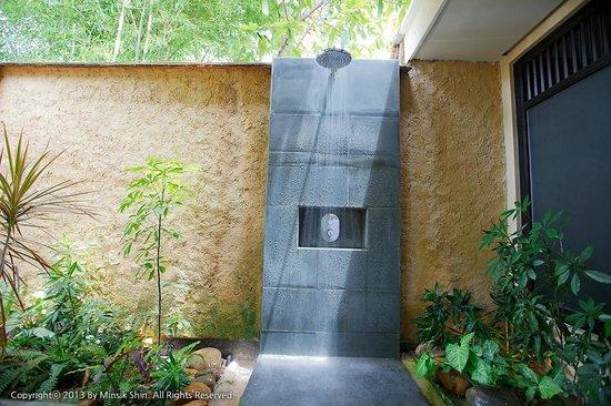 Anantara Mui Ne Resort: 가든뷰 풀빌라 샤워기