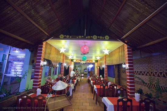 Lap Thao Restaurant : 랍타오 입구