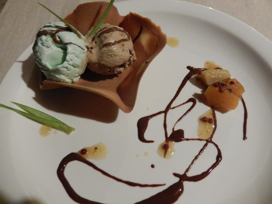 Royal Beach Hotel : Dessert au restaurant !
