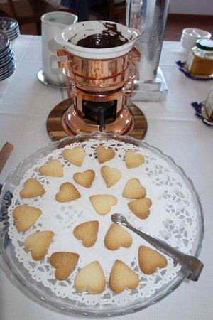 Villa Oriana Relais: mmmmm, chocolate at breakfast