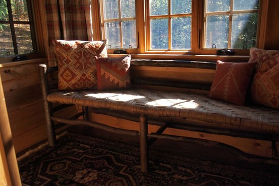 Dartbrook Lodge: sitting area