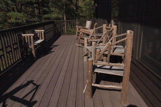 Dartbrook Lodge : outdoor porch on the living room floor