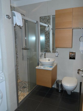 4th Floor Hotel: Beautiful Bathroom in the Superior Apartment
