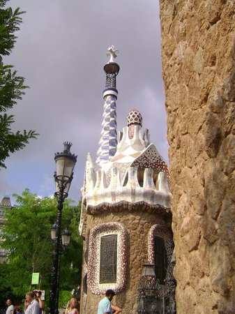 Factory House Hostel: Parque Guell... a una cuadra