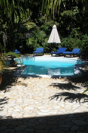 The Caves: Private pool at Clandestino