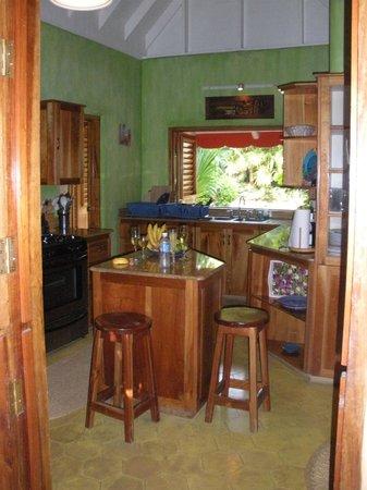 The Caves: Clandestino kitchen