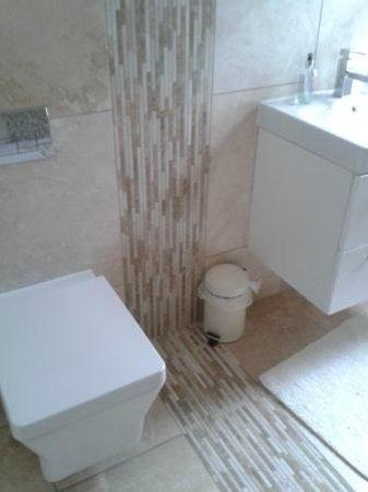 Muldoanich Bed & Breakfast : modernes und sehr sauberes Badezimmer