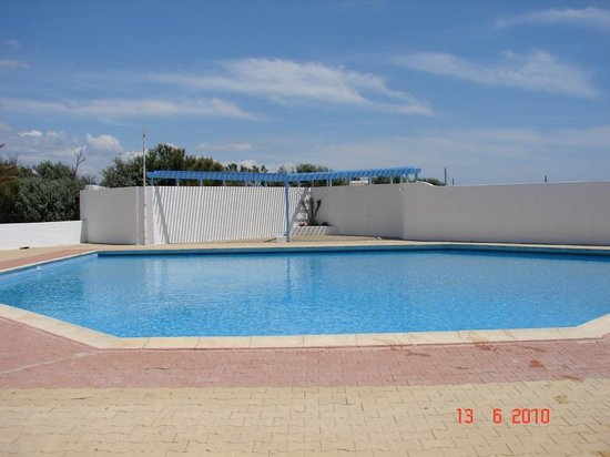 Piscina piccola picture of camping la brise saintes - Piscina interrata piccola ...