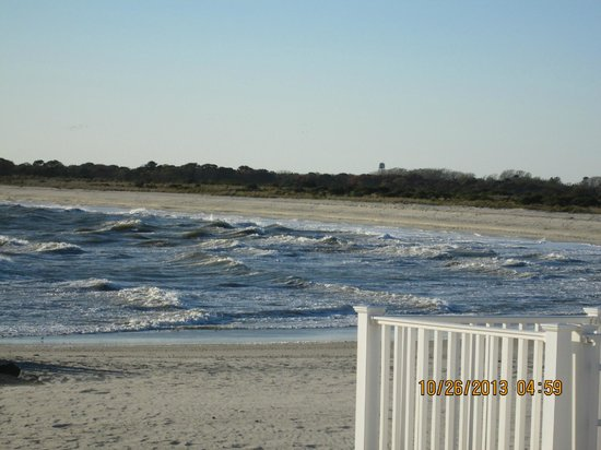 Sea Crest Motor Inn: Our first day - choppy water and lots of wind, still pretty!