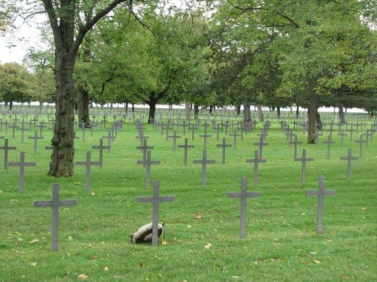 Deutscher Soldatenfriedhof Maison Blanche