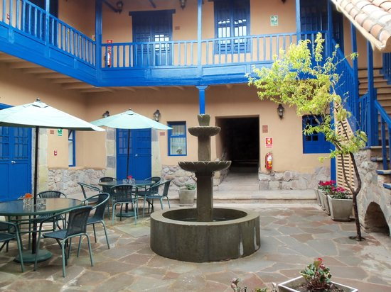 Tierra Viva Cusco Saphi: Central courtyard