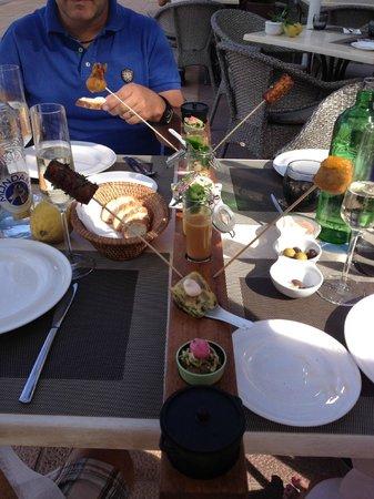 Restaurante Es Passeig: Metre long tapas