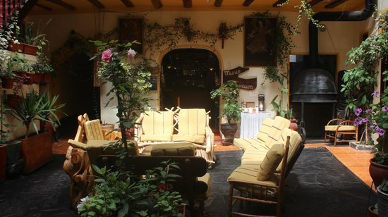 Hostal Cusi Wasi: Garden & Breakfast Dining area