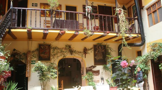 Hostal Cusi Wasi: Cusi Wasi ground level & second level area
