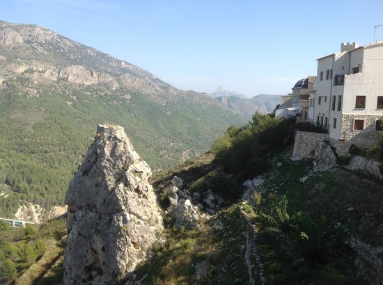Living on the edge - Picture of Guadalest Valley, Alicante - TripAdvisor