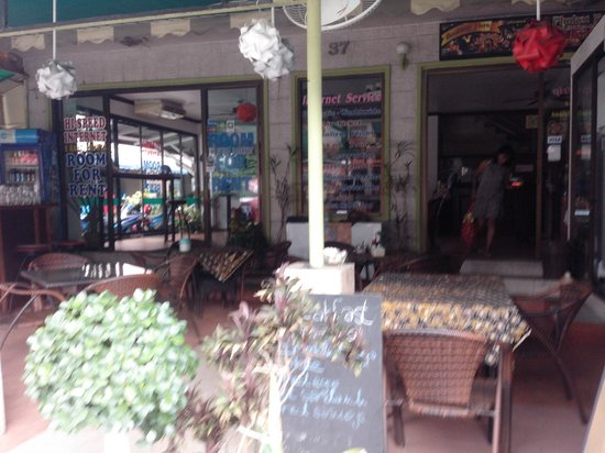 Sawasdee Mansion: Street view