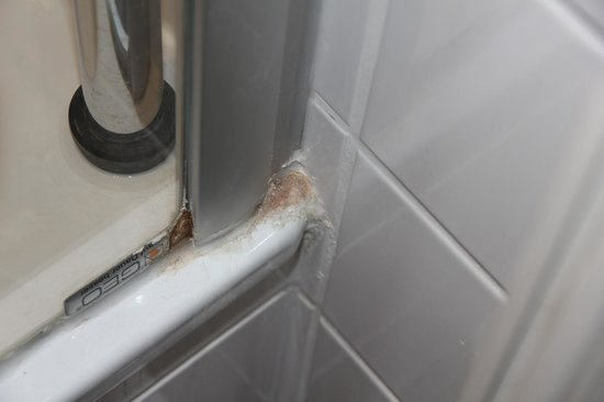 Kunsthaus: Shower not clean