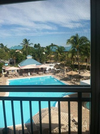 Tween Waters Inn Island Resort & Spa: View from our screened in balcony