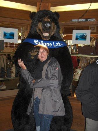 Maligne Lake: my love with nice bear