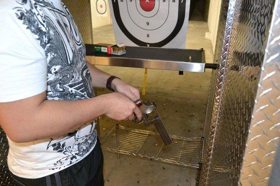 The Orlando Gun Club: Loading the .44