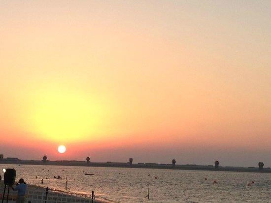 JA Jebel Ali Beach Hotel : Sunset