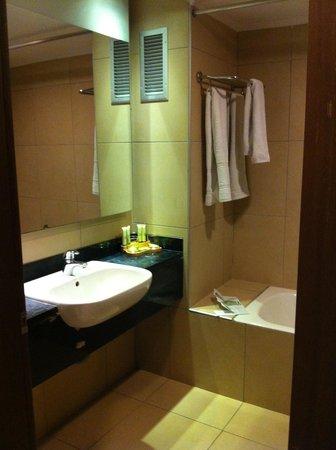 Blue Lagoon Resort: Bathroom