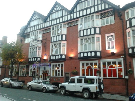 Best Western Hallmark Hotel Chester Westminster: View of the front from the street