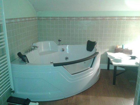 Avanguardia Suite: bagno con idromassaggio