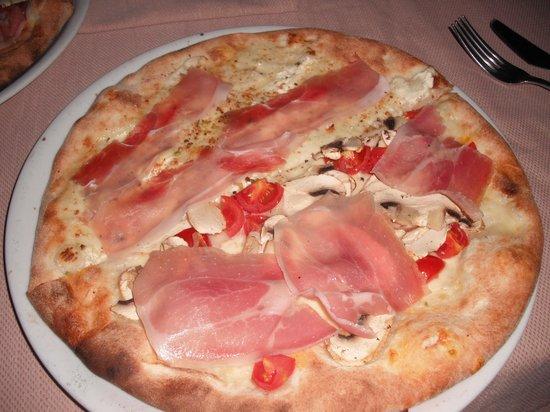 Ortigia Si Mangia : Pizza personalizzata Capodieci/Via dell'Amalfitana