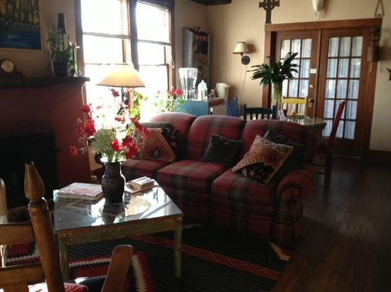 Adobe Abode Bed and Breakfast Inn : sitting room