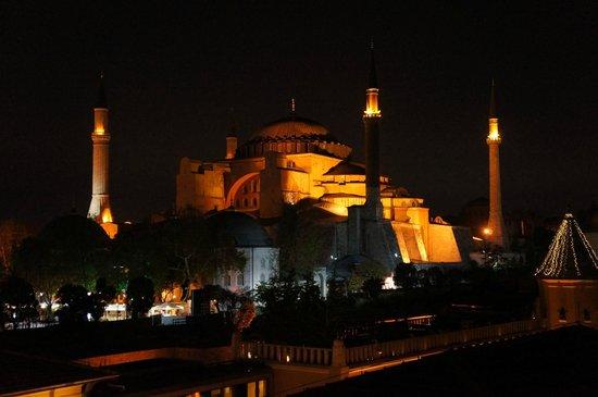 Turk Art Hotel: вид с террасы вечером