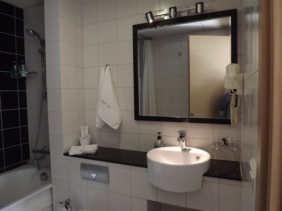 City Center Hotel: Cuarto de baño