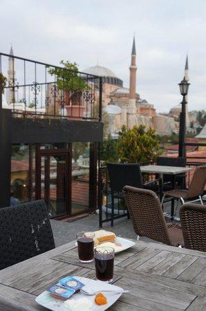 Turk Art Hotel : завтрак на террасе